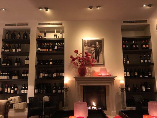 Vlieland, Países Bajos: Mooie wijn selectie en een warme haard