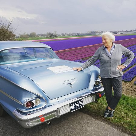Josie Tours: Our mannequin with our classic car and some hyacints :)