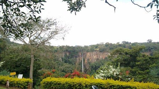 Cassia dos Coqueiros: Cachoeira vista do bar/petiscaria