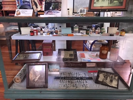 Brookhaven, MS: Grafton Drug Store display