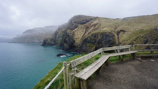 Carrick-A-Rede Rope Bridge: on the way