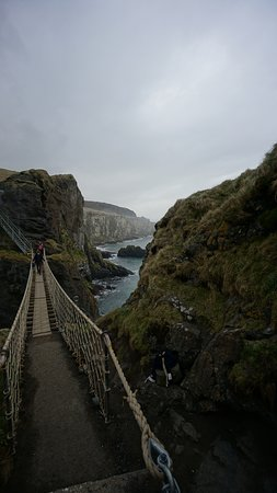 Carrick-A-Rede Rope Bridge: view from other side
