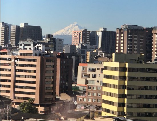 JW Marriott Hotel Quito: Cotopaxi Volcano, view from Executive Lounge balcony