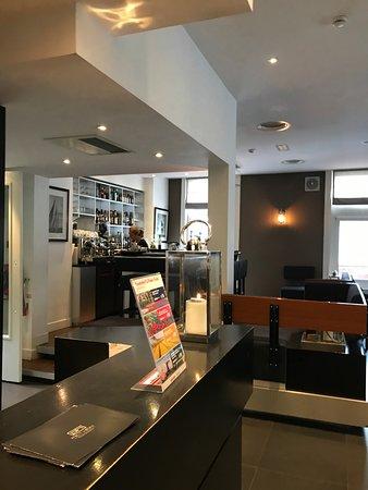 Hotel Piet Hein: Front Desk