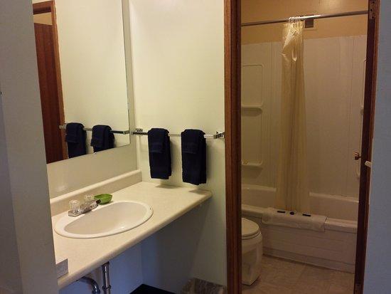Neepawa, Canada: Saperate Toilet Bathroom And Sink