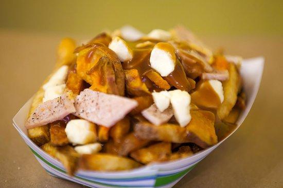 Port Elgin, Canadá: Roast Sweet Potato and Peameal Bacon Poutine