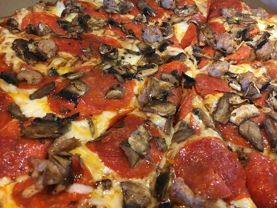 Food Open On Christmas Eve Near Me.Christmas Eve Pizza Review Of Me N Ed S Pizzaria Oakhurst