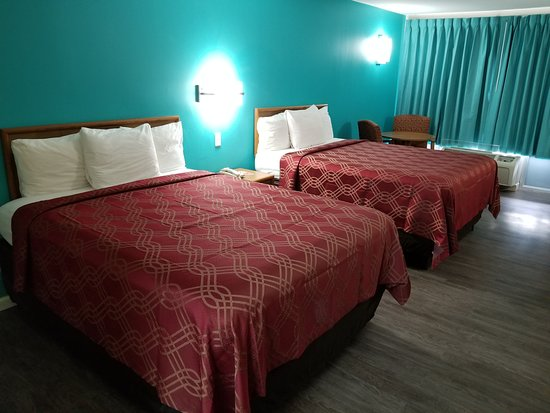 Kosciusko, MS: Two Queen Size Bed Rooms (newly remodeled)