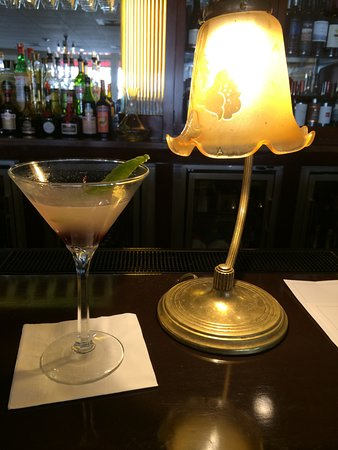 Ashland Springs Hotel: An excellent bar. Exotic cocktail ordered and made to perfection! Ask for anything and get it!