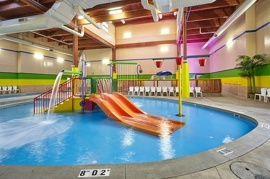 Holiday inn express south updated 2018 prices hotel reviews grand rapids mi tripadvisor for Hotel shambala swimming pool price