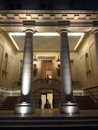 Palacio Duhau - Park Hyatt Buenos Aires: Foto de la entrada.