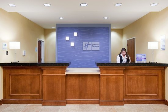 Holiday Inn Express Denver Airport: Lobby
