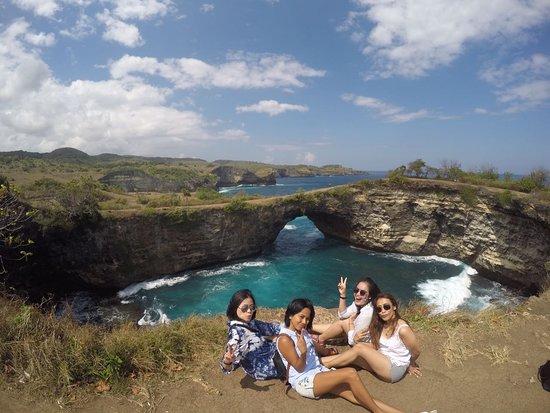 Broken beach, Nusa Penida, Klungkung - Bali, merupakan tem[at yang menjadi tempat terfavorit