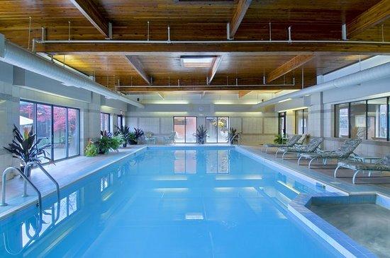 Fairlawn, OH: Pool