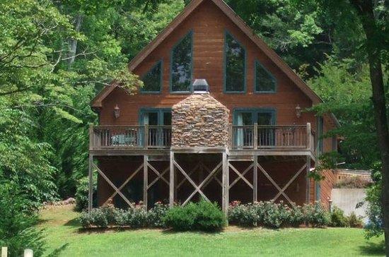 Paradise Hills Resort: Exterior