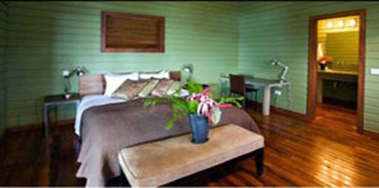 Pagua Bay House Oceanfront Cabanas: Guest room