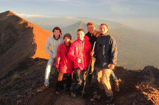 Berg Batur Sunrise Trekking...