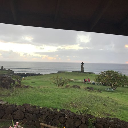 Te Moai Sunset: photo0.jpg