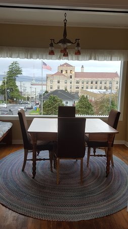 Rose River Inn: View from the breakfast nook
