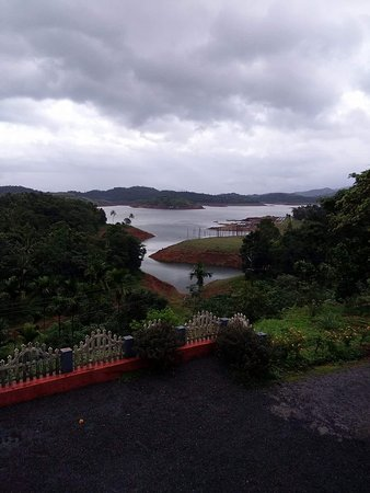 Padinjarathara, Hindistan: Monsoon view