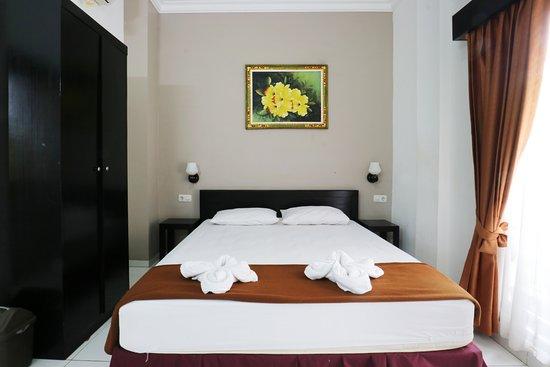 Warapsari Inn Photo