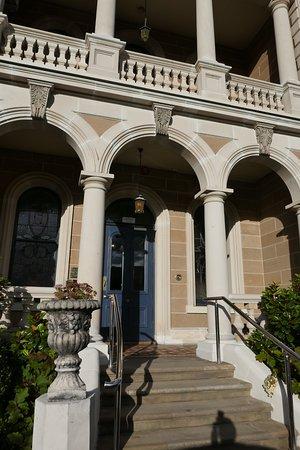 Lenna of Hobart: Entrée et réception de l'hôtel Lenna