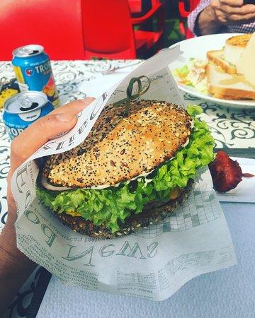 Kerkhove, Belgique : Lekker burger 👍👍