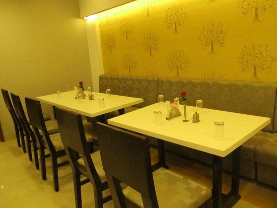 Lobby - Picture of Hotel Sagar Presidency, Daman - Tripadvisor