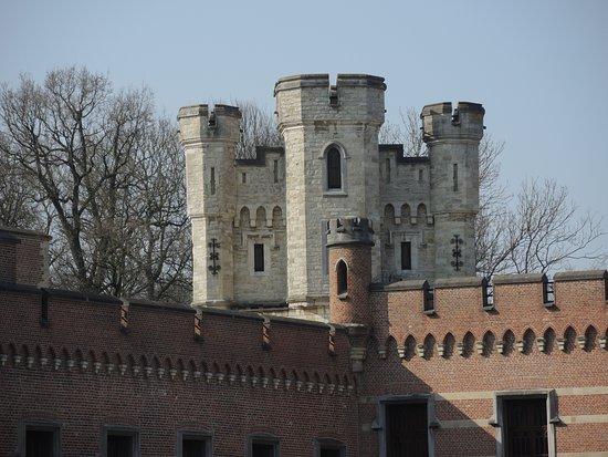 Meise, Belgien: Donjon van het kasteel
