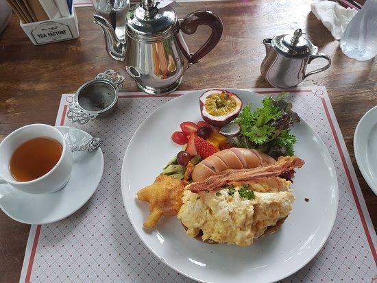 Na Chom Thian, Thailand: Tea Factory Signature Breakfast