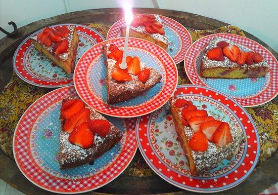 Robion, Frankreich: Moelleux aux fraises.