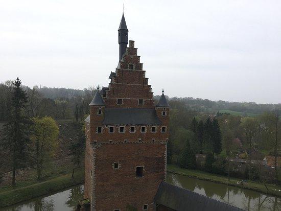Flemish Brabant Province, Belgien: The moat in the background
