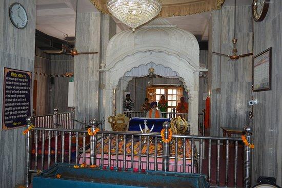 Pehowa, India: Inside Gurudwara BZaoli Sahib