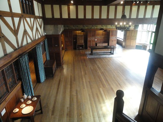 Blackwell, The Arts & Crafts House: Main hall