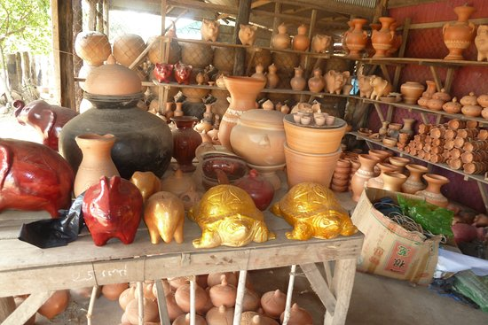 Pottery ware