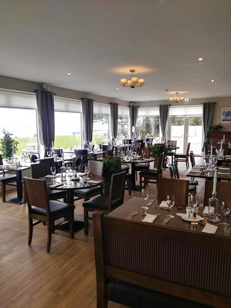 Dunmore East, Irlanda: The view from our tastefully decorated Restaurant