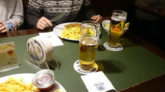 Braustuberl Weihenstephan: Helles bier