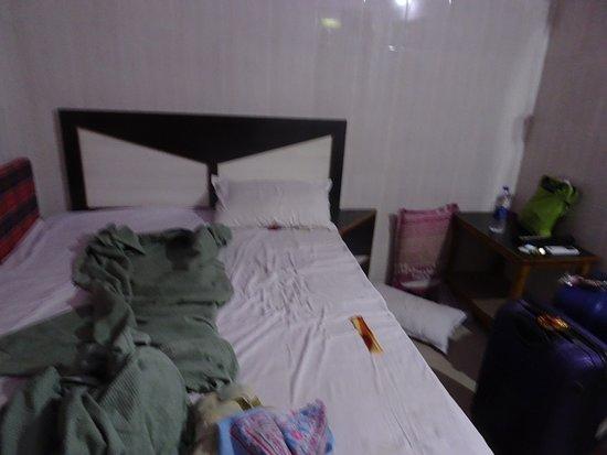 Annavaram, India: VERY COMPACT ROOM