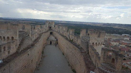 Castillo de Peñafiel: 20170627_185653_large.jpg