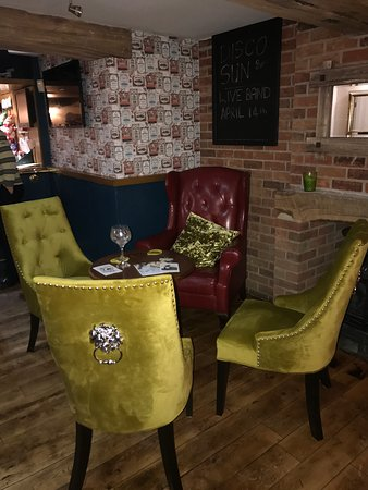 Crowle, UK: New bar area