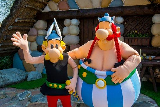 Asterix Et Obelix Au Village Gaulois Picture Of Parc Asterix