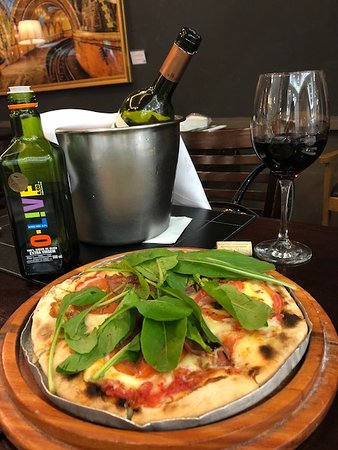 Badebec: pizza + vinho