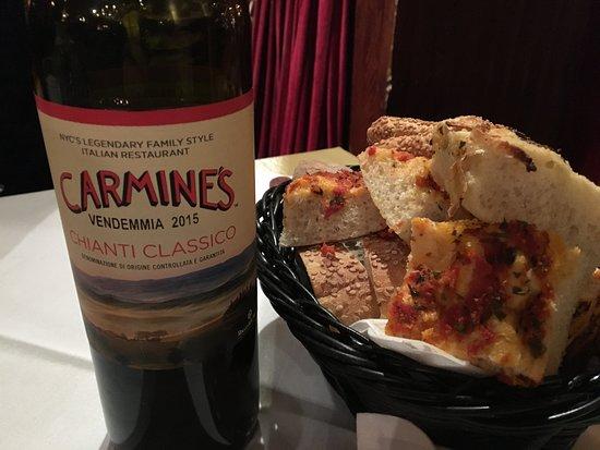Carmine S Italian Restaurant Times Square Chianti