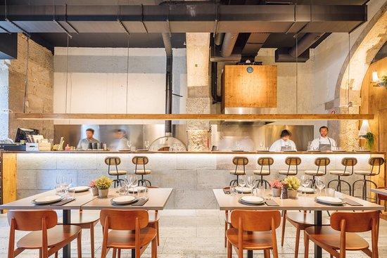 Onbewerkte Rauwe Muren : Cruzzeria lisboa lissabon restaurantbeoordelingen tripadvisor