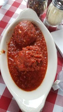 Michael's Italian Restaurant: 20180416_183156_large.jpg