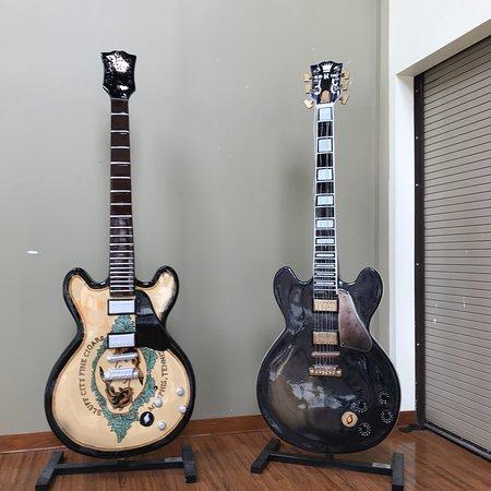 Gibson Factory : photo1.jpg