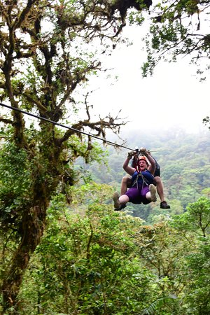 Sky Adventures - Arenal Park: Zip lining through the cloud forest