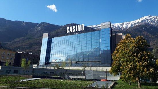 De la vallee casino play smileys war 2 game