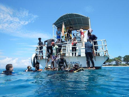 """India Scuba Explorers: Les """"Aquanautes de Paris"""""""