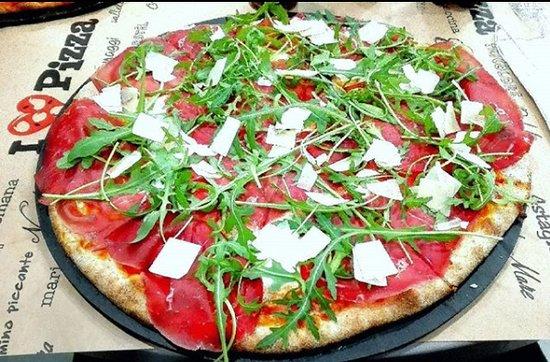 Villanova Mondovi, Italy: Pizza bresaola rucola e grana